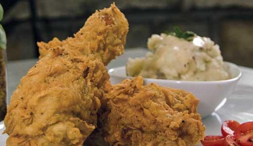 DINING-Village-Anchor-Myras-fried-chicken-BY-Mary-Yates