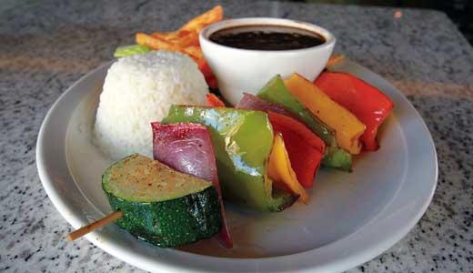 Dining-Cubana-Pincho-Vegetarianas-by-ron